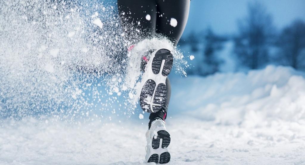5 лайфхаков, которые помогут вам при беге зимой