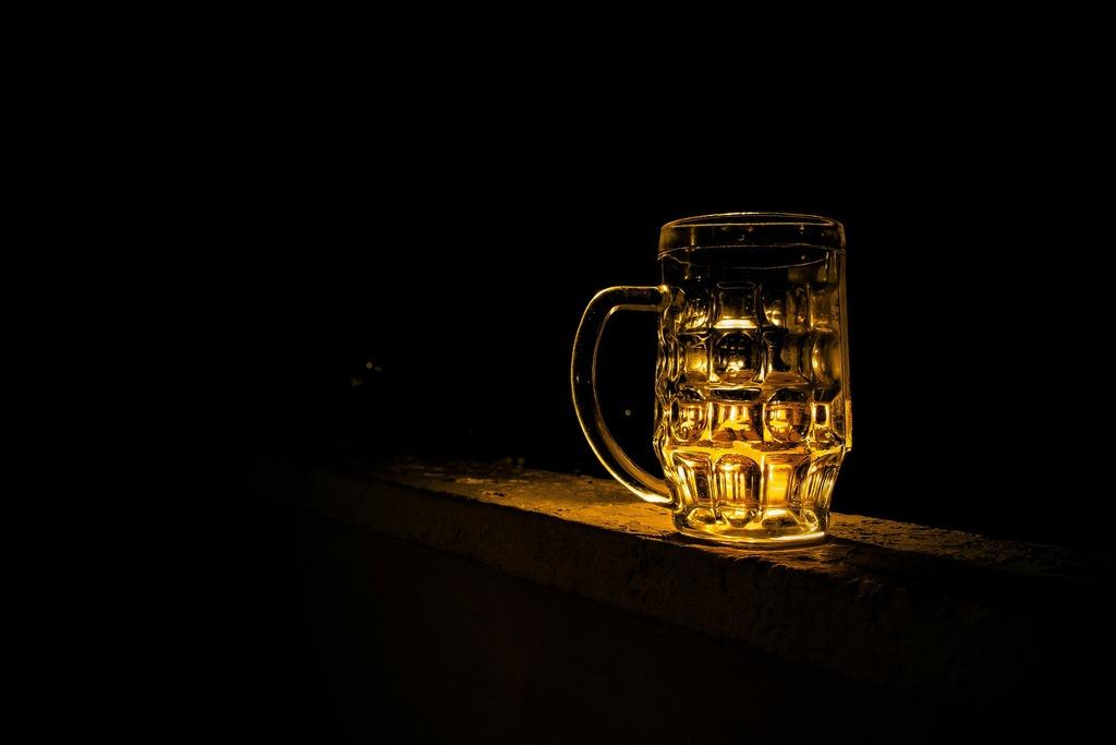 Потребление алкоголя в России сократилось за 12 лет на 40%