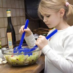 Современные дети едят больше и хуже