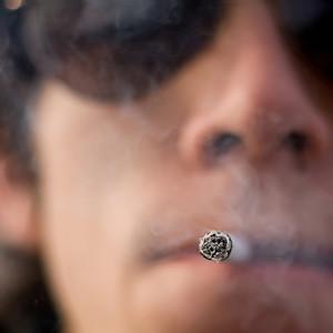 Курение вызывает боль