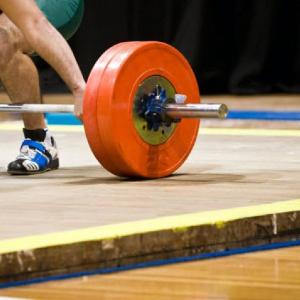 Меры предосторожности во время занятий тяжелой атлетикой и не только