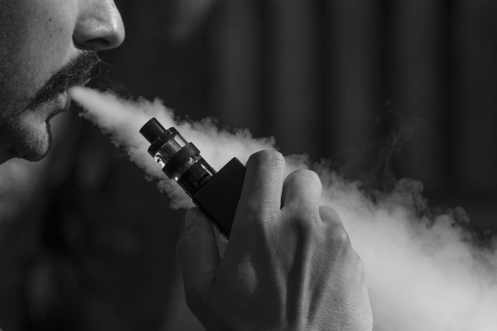 Электронные сигареты способствуют развитию рака ротовой полости