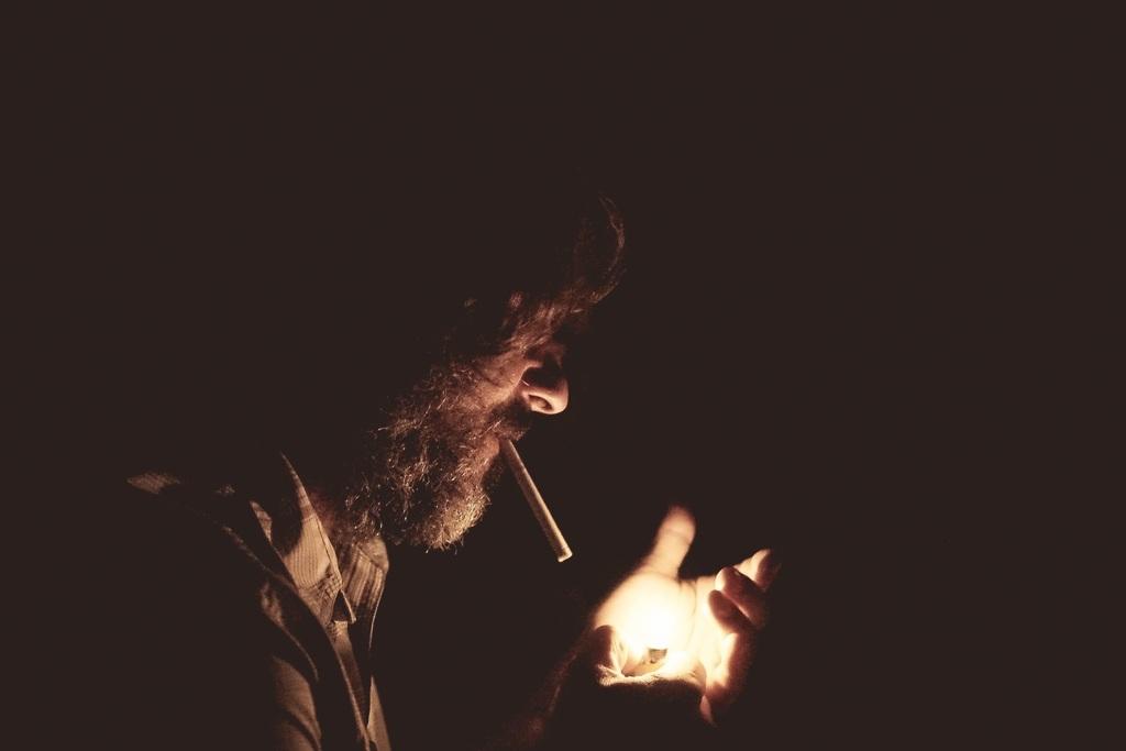 Как курение влияет на привлекательность человека