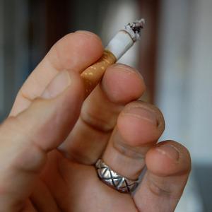 Сигарета натощак опасней целой пачки