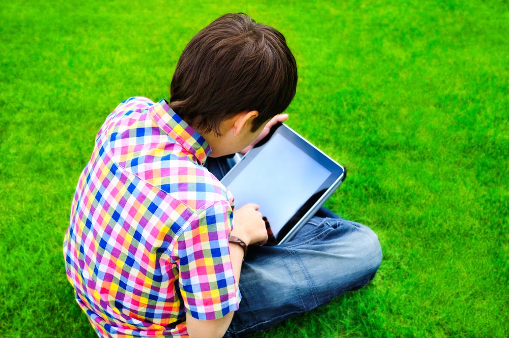 Дети и смартфоны. Когда знакомить ребенка с телефоном?