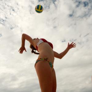 Идеи для активного отпуска: пляжные виды спорта