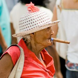 Солнце и сигареты старят лицо