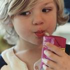 Кисло-сладкие напитки вредят детским зубам