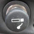 Табачный дым душит детей в автомобилях