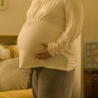 Лишний вес мамы нарушает развитие малыша