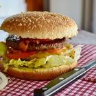Употребление трех гамбургеров в неделю повышает риск развития астмы