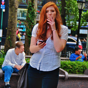 Табачный дым губит женщин быстрее