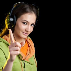 Музыка в наушниках портит слух