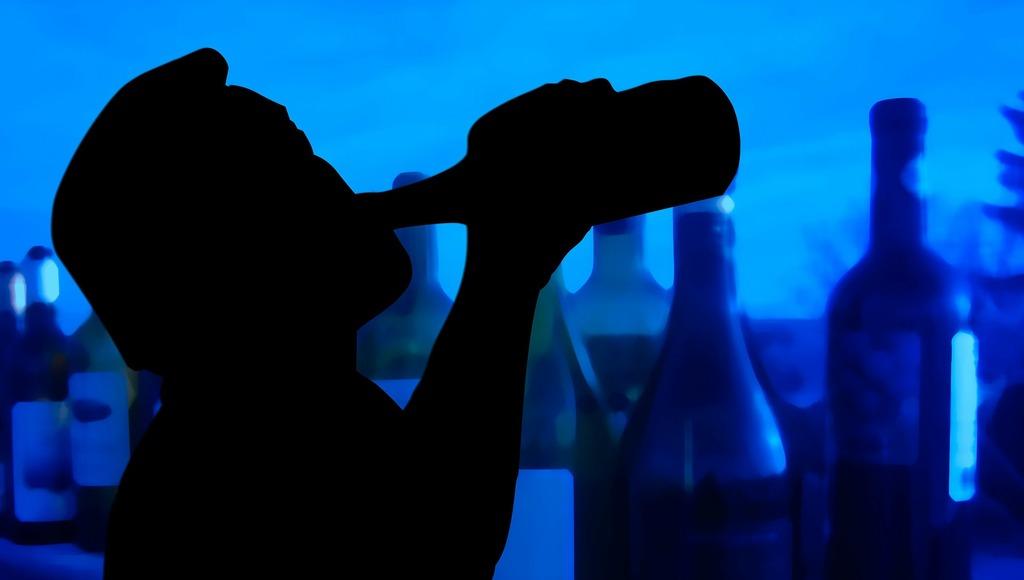 Ученые рассказали о неожиданной опасности популярных коктейлей