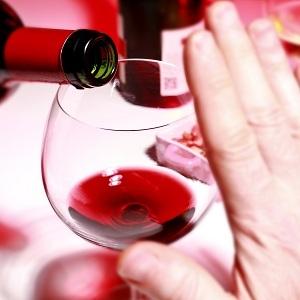 Алкоголь увеличивает риск возникновения рака груди