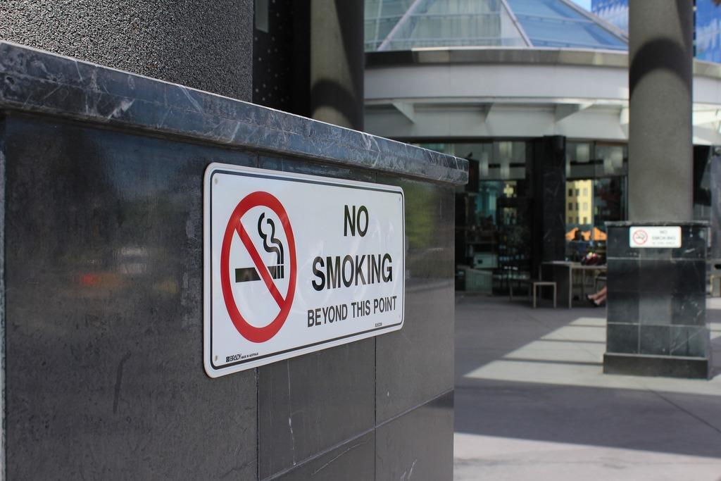 В Роттердаме появятся улицы, на которых введут полный запрет на курение
