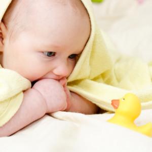Развиваем ребенка: первые месяцы жизни