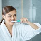 Чистить зубы лучше в темноте