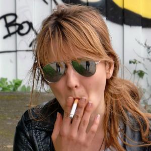 Курящие женщины рискуют здоровьем больше мужчин