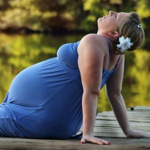 У женщин с избыточным весом рождаются более «взрослые дети»