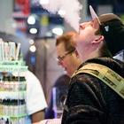 С массовым распространением электронных сигарет россияне стали больше курить