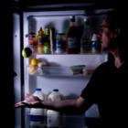 Запирайте холодильник на ночь