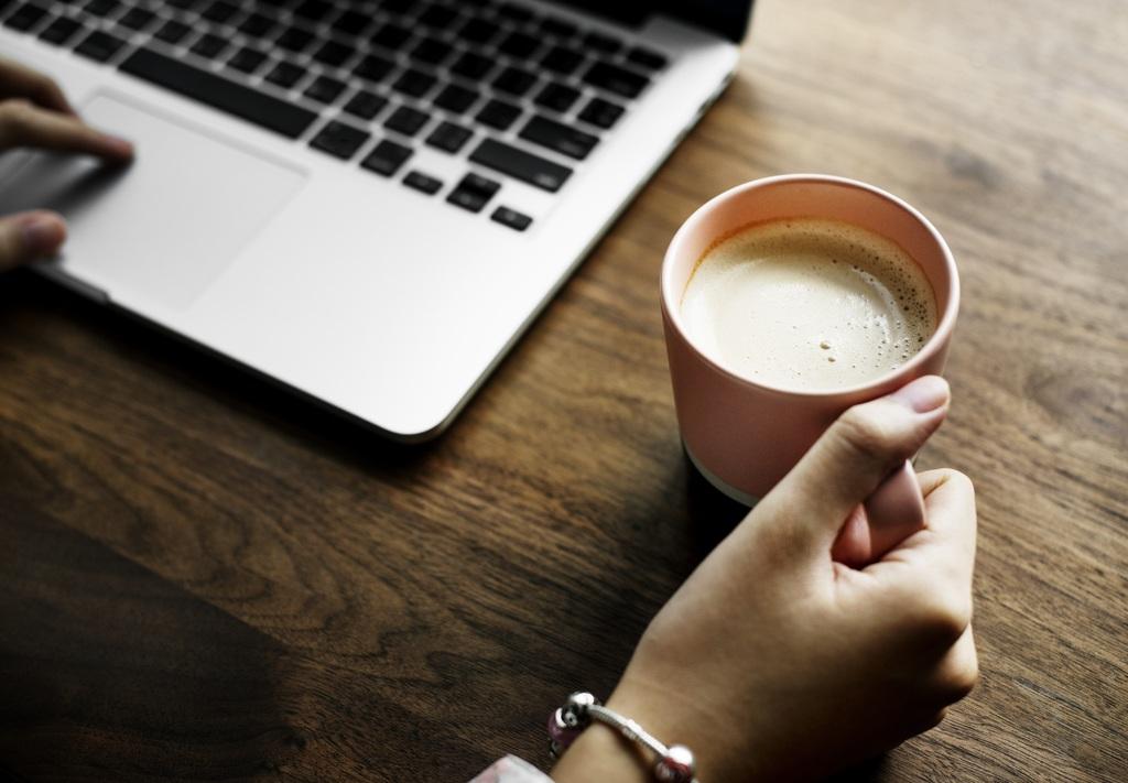 Чай и кофе способны спасти от аритмии, показало исследование