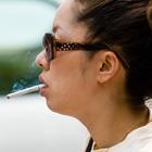 Женщин кинсульту приводит курение
