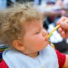 Малыши привыкают к соли с детства