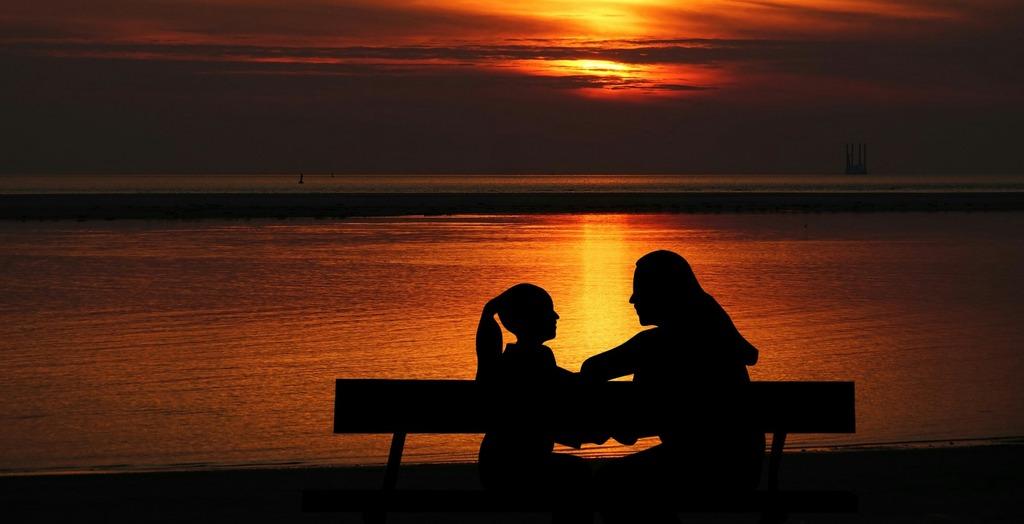 Как разговаривать с ребенком на интимные темы и выстроить доверительный контакт?