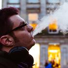 Чтобы завести новых друзей, нужно бросить курить