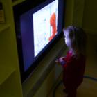 У телевизора засиживаются покинутые дети